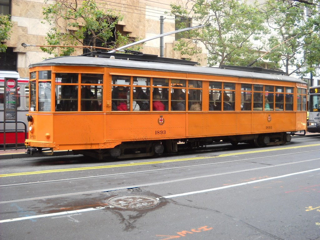 1.-Milan-Streetcar