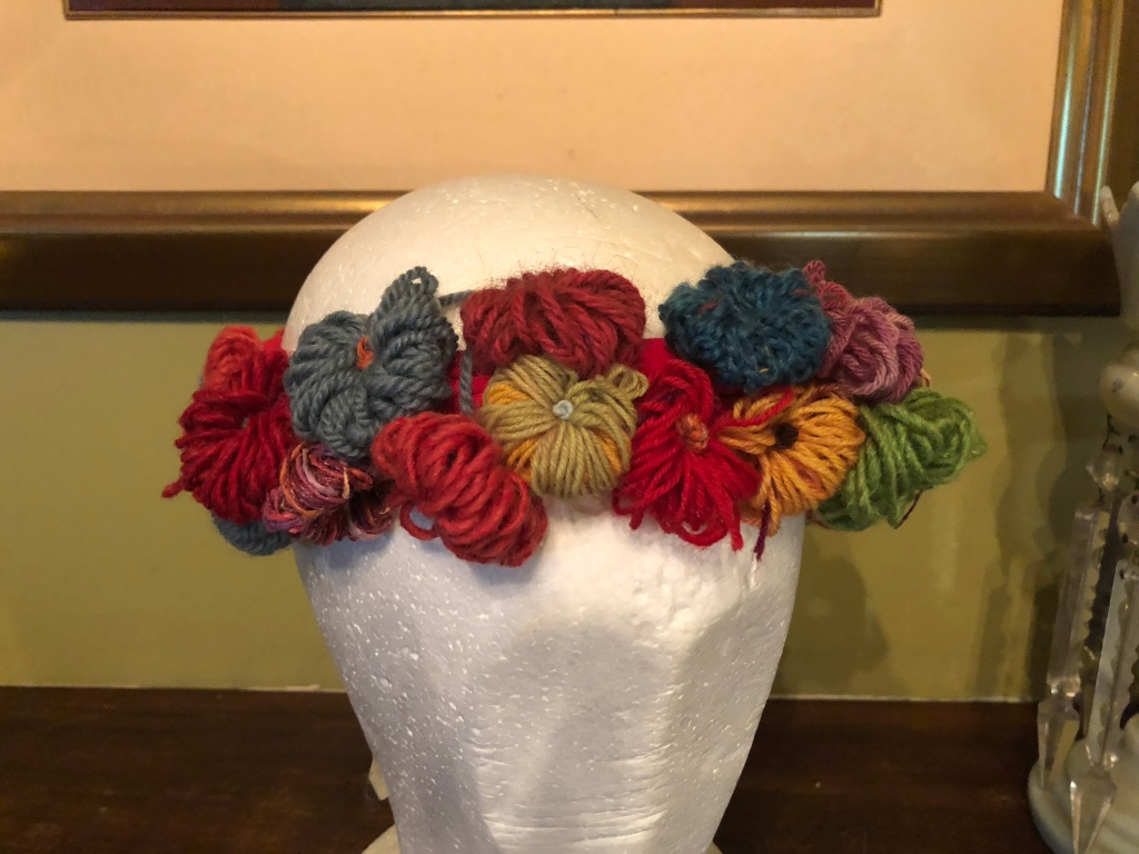 A No Knit Flower Crown Fadanista